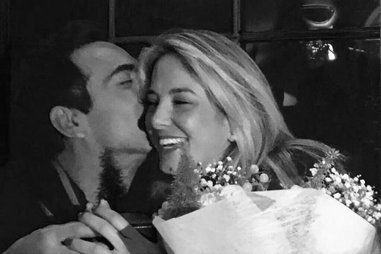 Ticiane Pinheiro comemora noivado com César Tralli