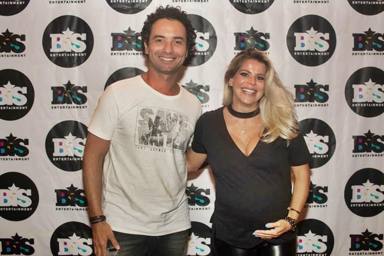 Marco Luque e Karina Bacchi (Leonardo Vicario e Thiago Costa)