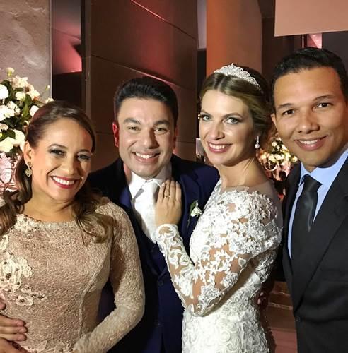 Renata Alves com o marido - Robson Jassa e Poliana/Instagram