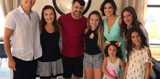 Rodrigo Faro, família e Larissa Manoela (Reprodução/Instagram)