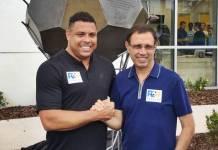 Ronaldo Fenômeno e o empresário Carlos Wizard Martins (Divulgação / Ronaldo Academy – Sforza Holding)