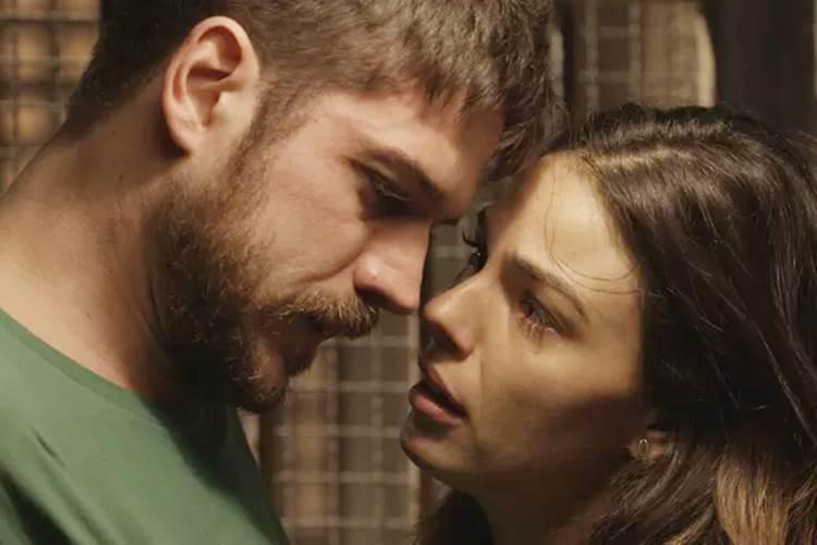 A Força do Querer: Ritinha beija Zeca