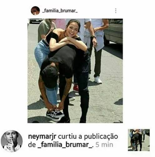 Neymar curte fotos ao lado de Marquezine e fãs torcem pela volta
