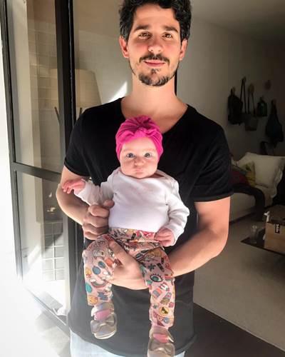 Pedro Neschling com a filha/Instagram