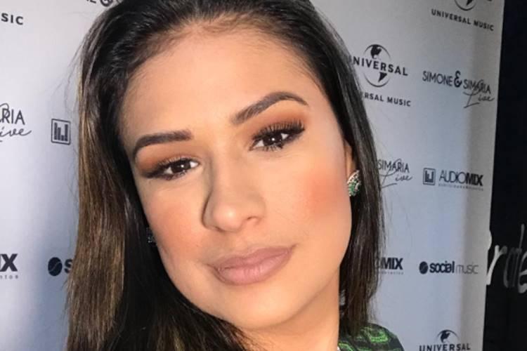 Cantora Simone se manifesta após acusações de internautas