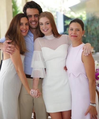 Marina Ruy Barbosa faz lista de presentes milionária