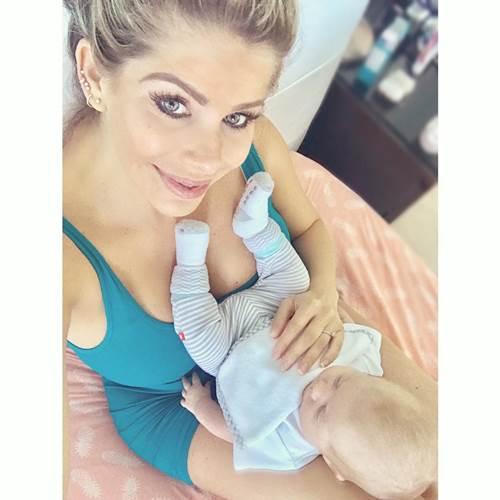 Karina Bacchi com o filho/Instagram