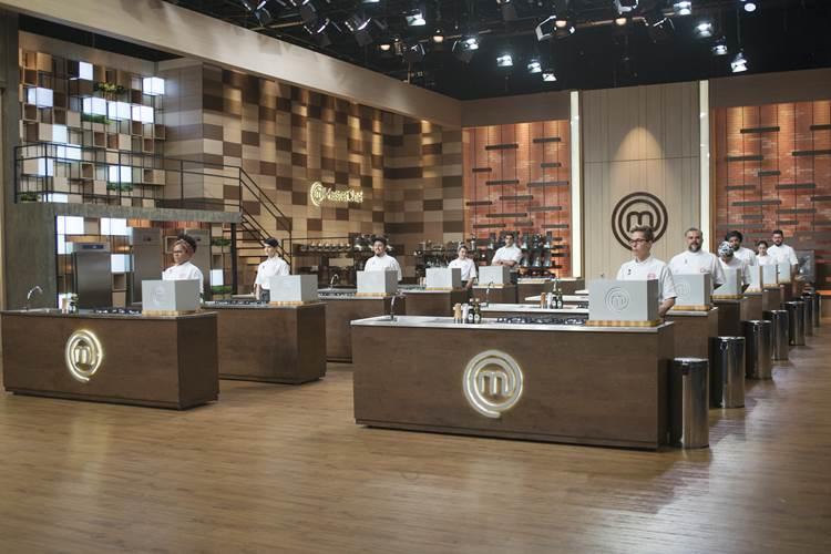 Cozinheiros do 'MasterChef' enfrentam Caixa Misteriosa surpreendente