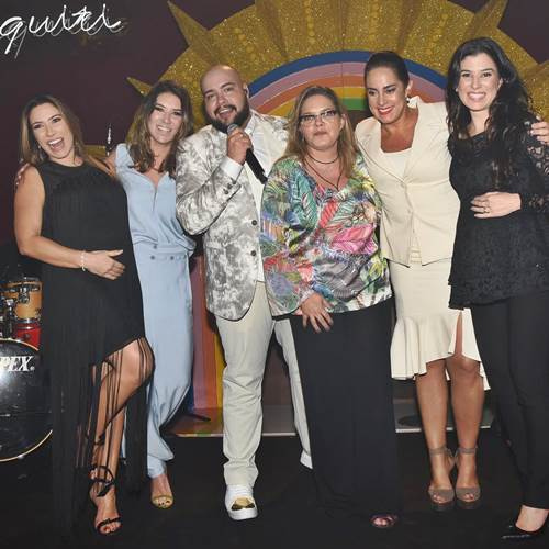 Patricia - Rebeca - Tiago - Cintia - Silvia e Renata Abravanel/Instagram