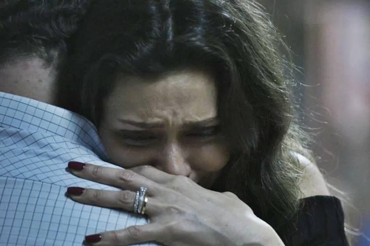 A Força do Querer - Joyce chora (Reprodução/TV Globo)