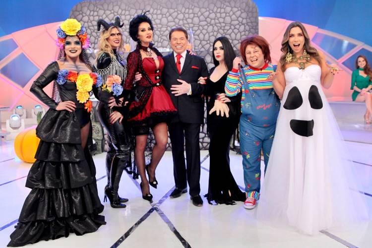 Silvio com a turma do Jogo dos Pontinhos (Lourival Ribeiro/SBT)