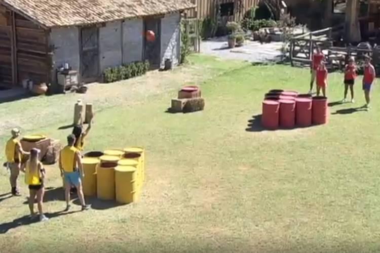 A Fazenda - Peões fazem atividade (Reprodução/Record TV)