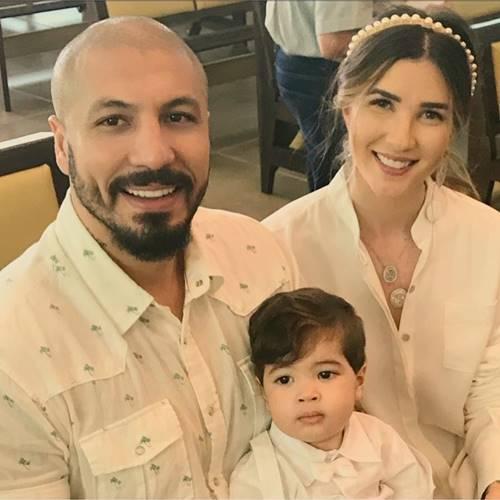 Fernando e Aline com o filho/Instagram