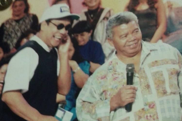 Roque, do SBT, está internado com bronquite em São Paulo