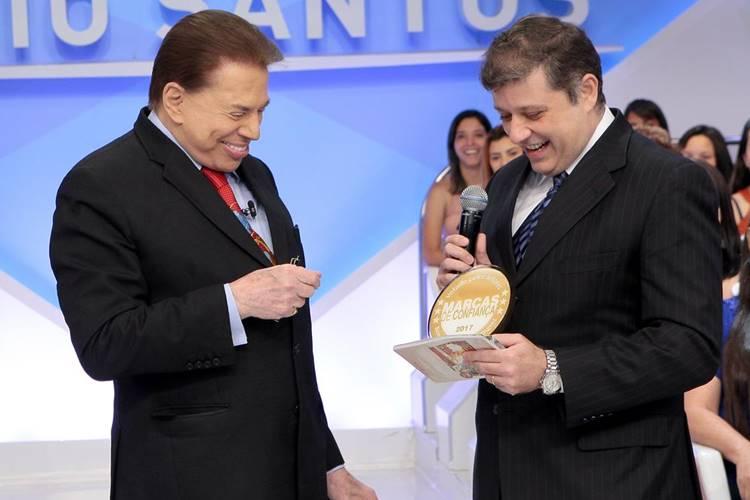 Silvio Santos recebe prêmio ( Lourival Ribeiro/SBT)
