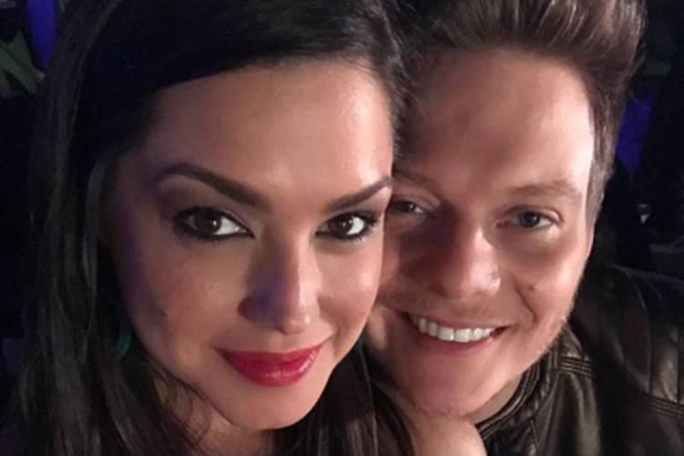 Sem filhos, Thais Fersoza e Michel Teló curtem noite romântica