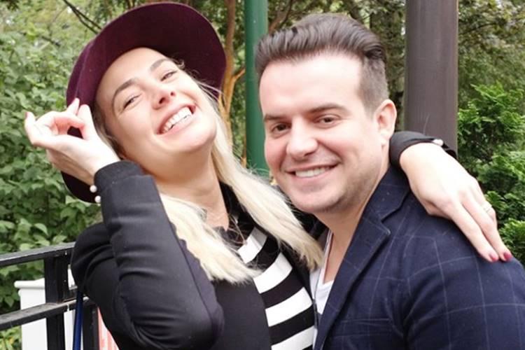 Sertanejo Belutti completa quatro anos de casado e se declara a mulher