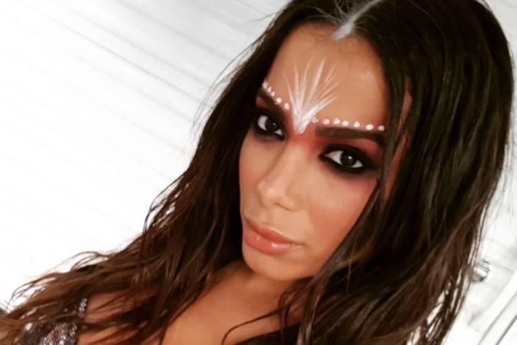 Vaza foto do casamento secreto de Anitta na Amazônia