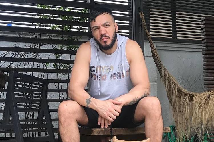 Belo não paga dívida de aluguel e é obrigado a desocupar mansão