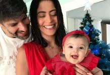 Carol Castro com a filha e o marido/Instagram