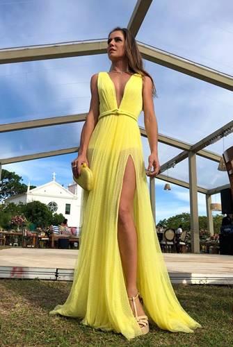 Deborah Secco - Look Amarelo/Instagram