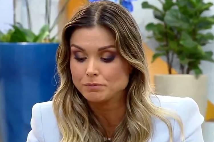 Flávia Viana se revolta após recado de Marcos Harter