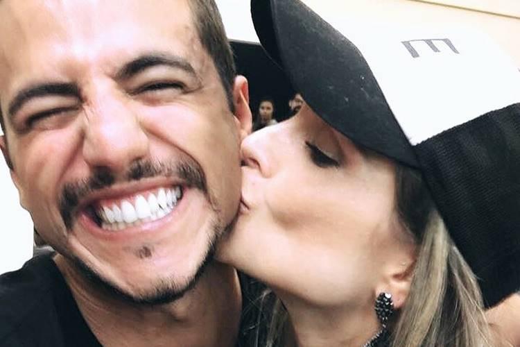 Matheus Lisboa parabeniza Flavia Viana pela vitória em 'A Fazenda'