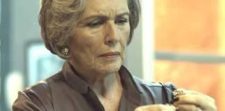 Pega Pega - Sabine encontra anel (Reprodução/TV Globo)