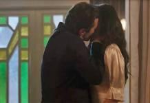 Tempo de Amar - Vicente beija Maria Vitória (Reprodução/TV Globo)