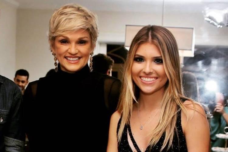 Andréa Nóbrega com a filha/Instagram