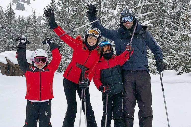 Carol Celico com os filhos e o namorado/Instagram