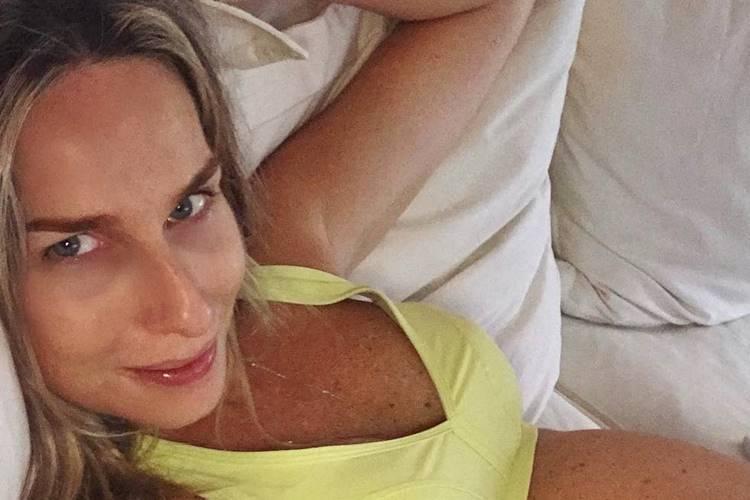 Mariana Weickert exibe barrigão aos 9 meses de gravidez