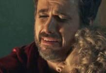O Outro Lado do Paraíso - Samuel com a mãe (Reprodução/TV Globo)