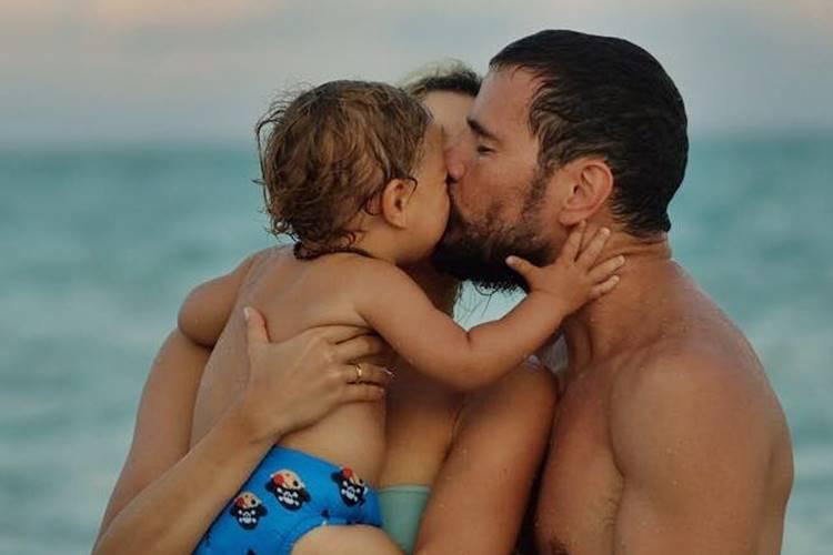 Sophie Charlotte e Daniel de Oliveira com o filho/Instagram
