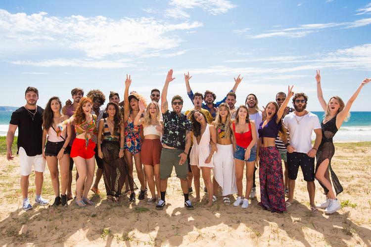 """Caio Castro e os participantes do """"Are You The One?"""" - Divulgação/MTV"""
