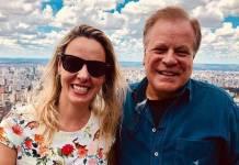 Chico Pinheiro e a esposa/Instagram