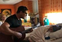 Junno Andrade canta para mãe de Xuxa/Instagram