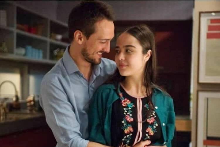 Igor Angelkorte comemora cenas com Bella Piero em 'O Outro Lado do Paraíso'