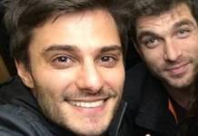 Hugo Bonemer com o namorado, o ator Conrado Helt-Reprodução/Instagram