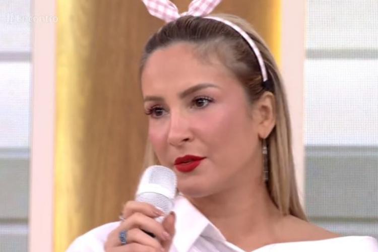 """Claudia Leitte causa polêmica com pergunta no """"Encontro"""""""