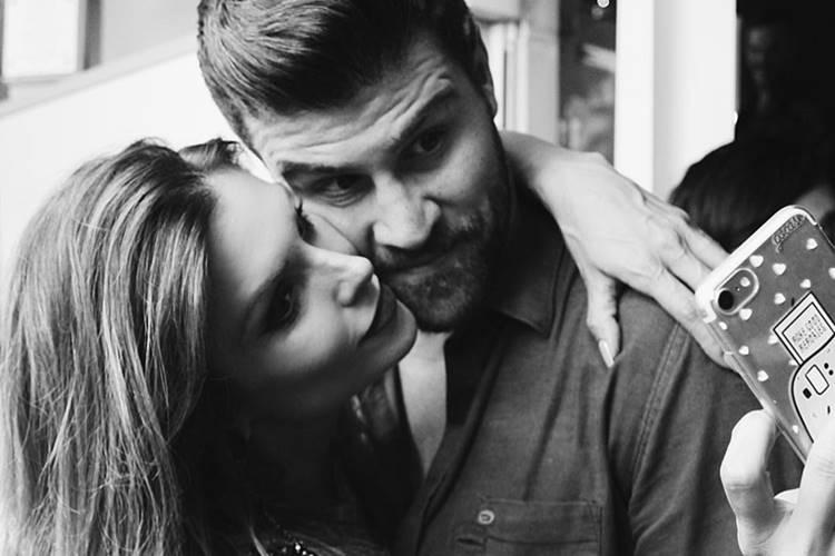 Flávia Viana e Marcelo ié ié comemoram 5 meses de namoro