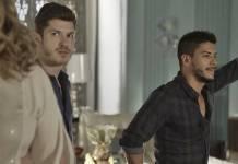 O Outro Lado do Paraíso: Bruno e Diego se surpreendem com decisão de Nádia (Reprodução/TV Globo)
