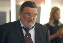 O Outro Lado do Paraíso: Gustavo perde o cargo de juiz e ameaça Nádia (Reprodução/TV Globo)