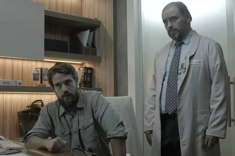 O Outro Lado do Paraiso - Renato fala sobre doença de Adriana (Reprodução/TV Globo)