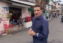 Roberto Cabrini investiga racismo e mostra as lutas de Marielle (Divulgação/SBT)