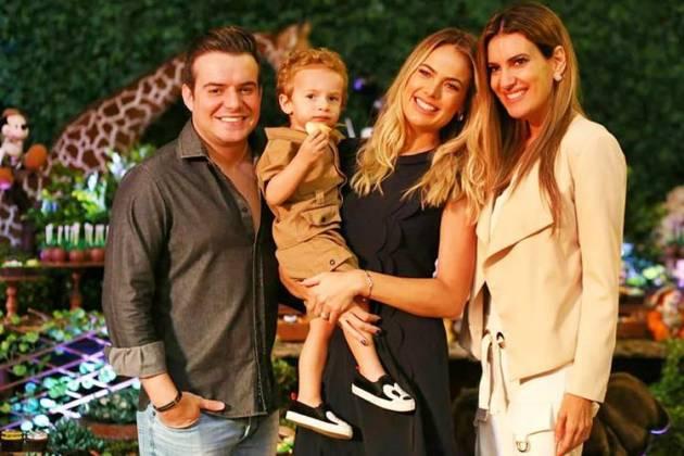 Belutti e Thais Pacholek com o fiilho Luis Miguel e Andréa Guimarães/Instagram