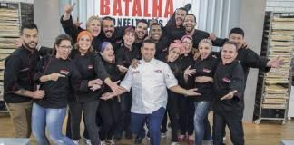 Buddy com os participantes (Edu Moraes/Record TV)