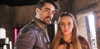 Deus Salve o Rei - Virgilio e Diana se unem (Globo/João Miguel Júnior)