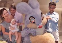 Eliana posa com o noivo e filhos em domingo de Páscoa/Instagram