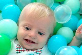 Filho de Karina Bacchi comemora 1 milhão de seguidores/Instagram